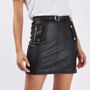 Topshop belted leather skirt sz 8 with pockets